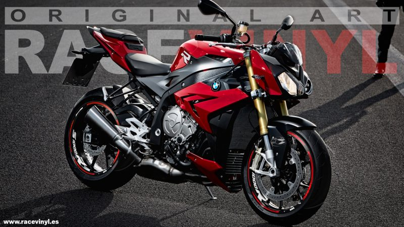 BMW S1000R red with the vinyl stickers Kit Pro from Racevinyl