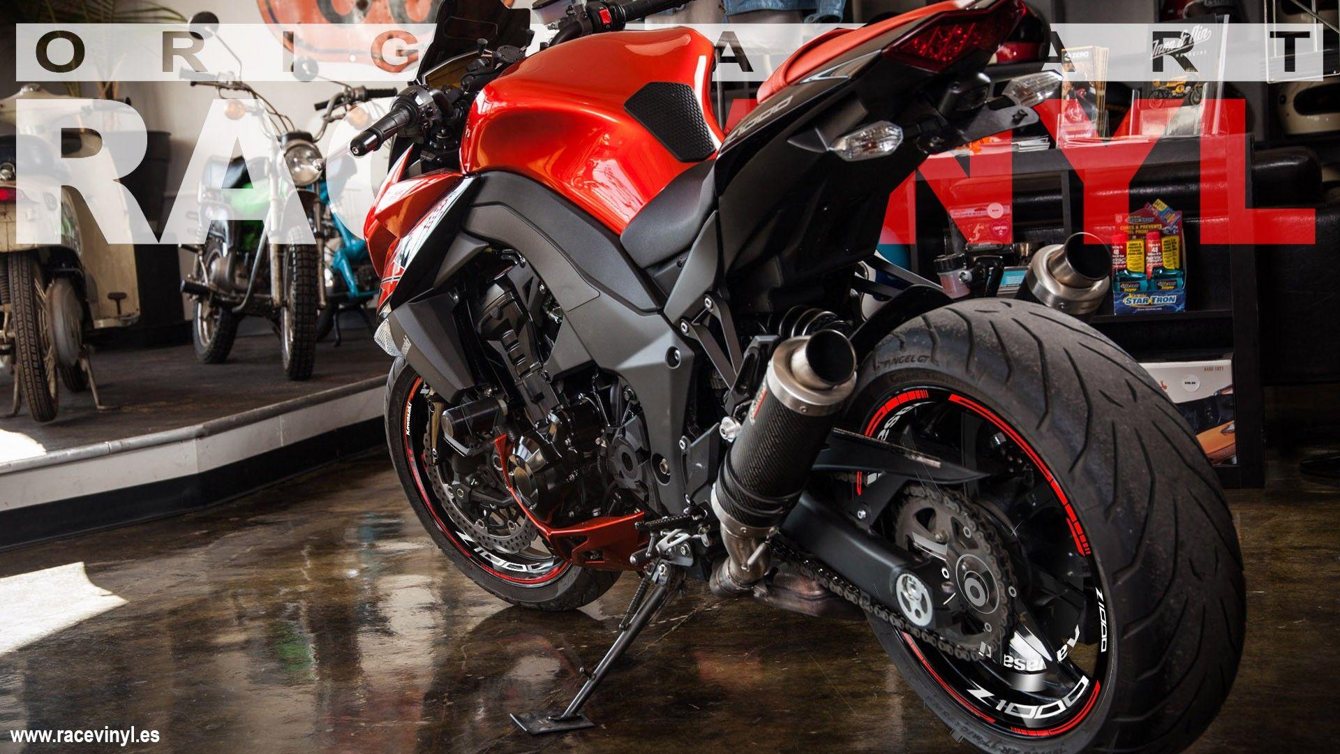 Kawasaki Z1000 tuneada con los vinilos kit PRO de racevinyl