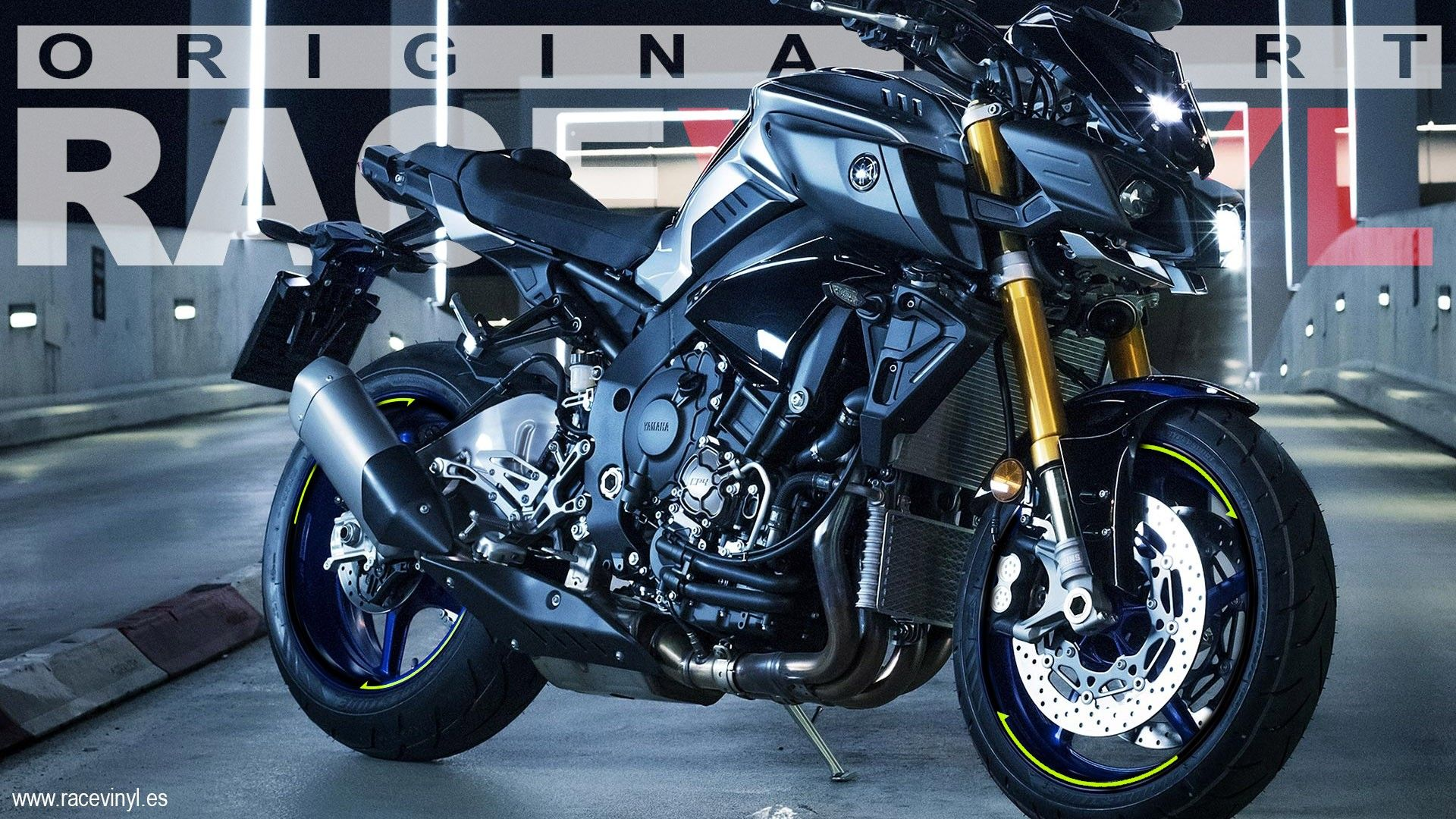 Yamaha MT01 Black with outer rim stripes