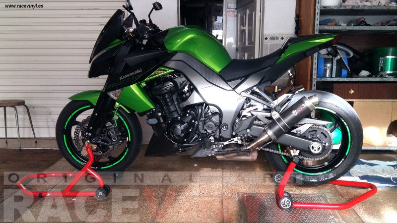 Kawasaki Z1000 01 Ivan Palomino Racevinyl SPEED rim Stripes green fluor