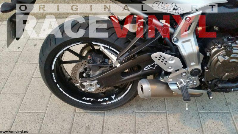 Racevinyl 03 Yamaha MT07 MT 07 FZ7 01 Antonio Tomas racevinyl vinilo llanta rueda pegatina adhesivo tuning vinyl sticker rim kit stripe