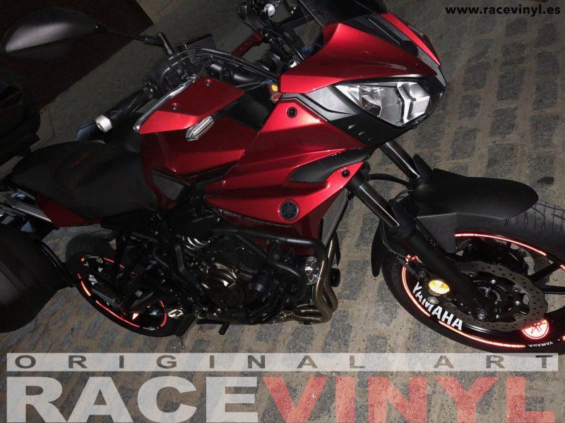 Yamaha MT07 MT 07 tracer Kit pro adhesivos pegatinas vinilo para llantas contorno interior llantas rim sticker vinyl motorbike moto wheel 03