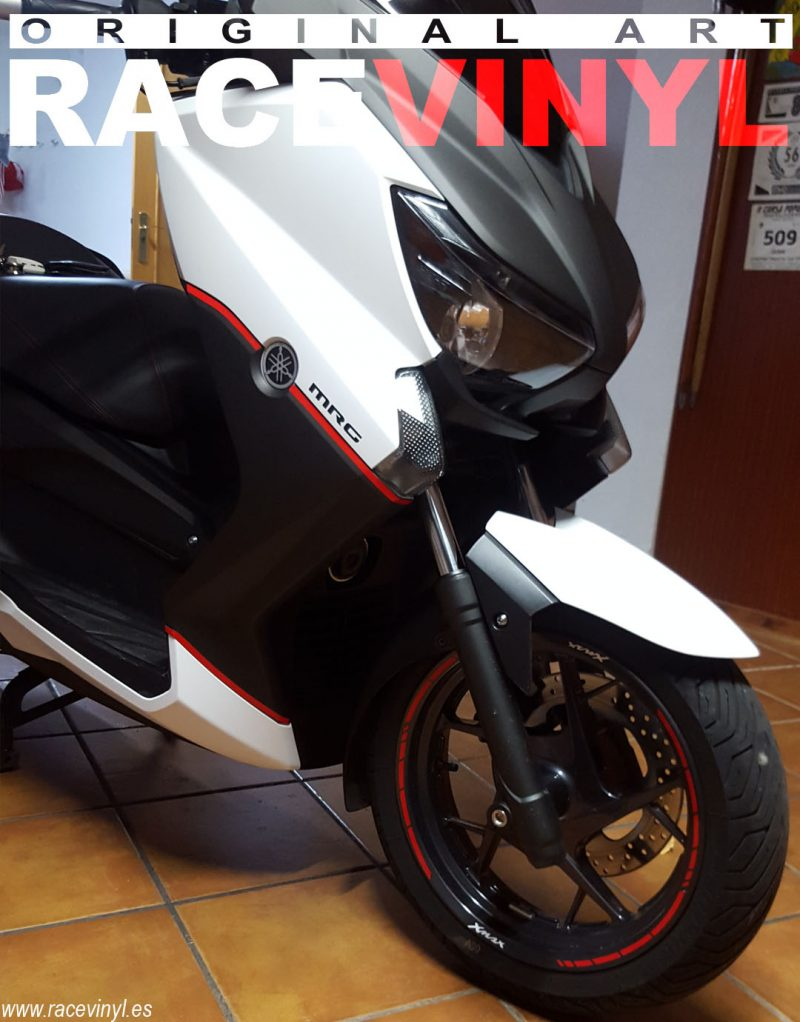 Yamaha XMAX 02 Racevinyl Hugo Pore rim Reflectant Red SPEED vinilo pegatina banda tuning kit stripe llanta